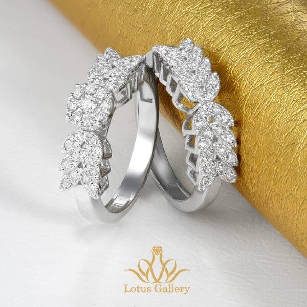 حلقه پشت حلقه جواهر