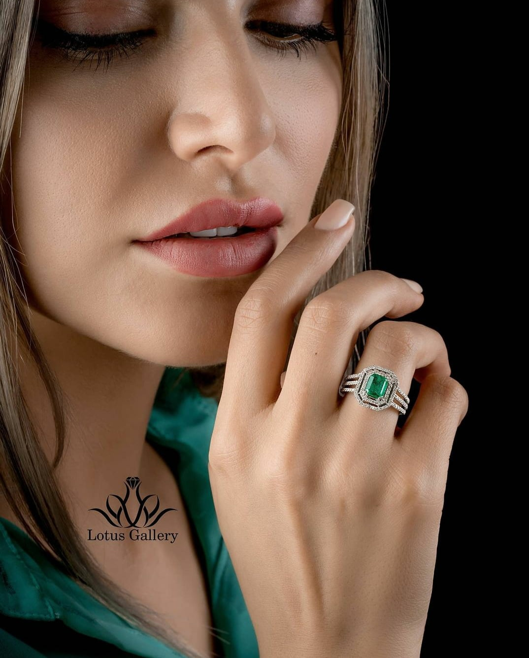 انگشتر جواهر زمرد